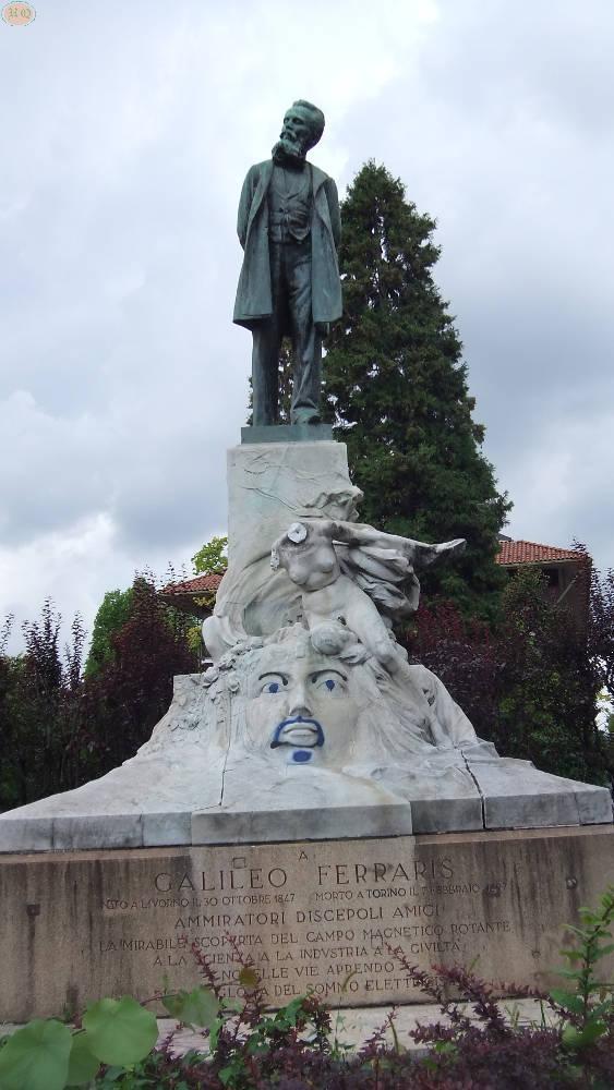 Statua commemorativa di Galileo Ferraris