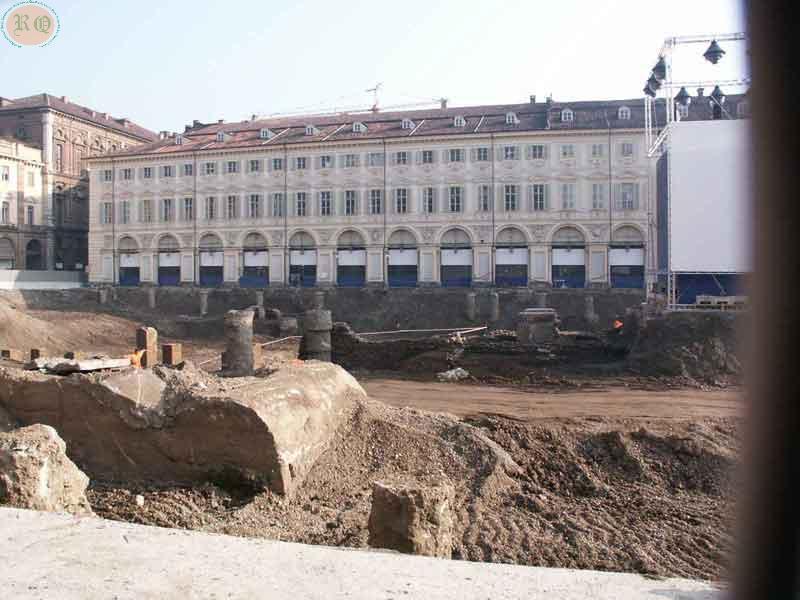 Piazza S.                     Carlo dalla parte di piazza Castello