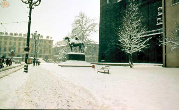 Piazza                       Castello05