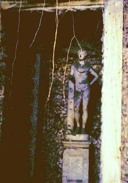 Statua maschile